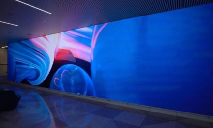 Chicago's Aon Center Lobby gets creative with NanoLumens LED displays
