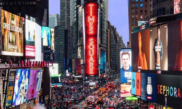 SAMSUNG INSTALLS LED DISPLAYS IN NEW YORK`S TIMES SQUARE